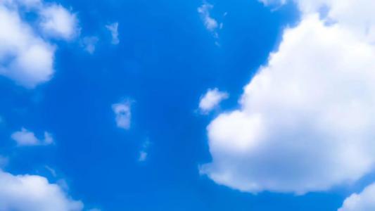 优美迷人的蓝天白云