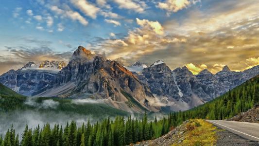 绝美蜿蜒山谷风景