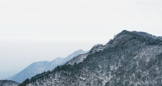 雪后庐山迷人景色