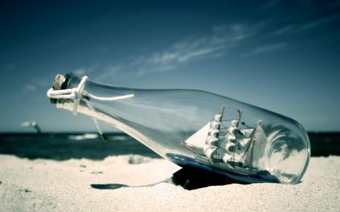 在瓶墙纸的船
