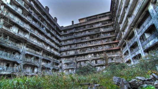 被遗弃的公寓建筑高清壁纸