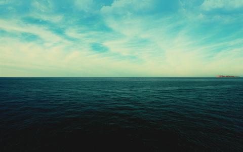 深蓝色的大海壁纸