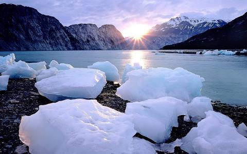 冰和湖壁纸