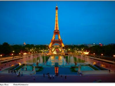巴黎艾菲尔铁塔的壁纸