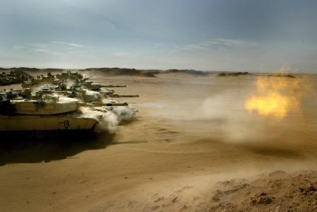 坦克在沙漠壁纸
