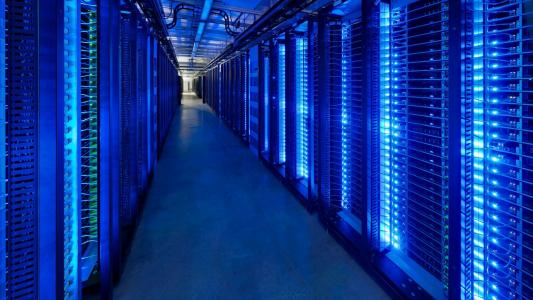 蓝色服务器农场高清壁纸