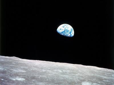 从月亮壁纸的地球视图