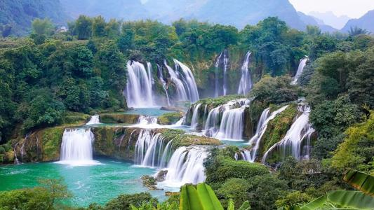 德天瀑布壮观自然景色