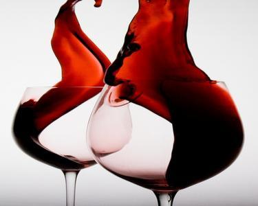 红酒和眼镜壁纸