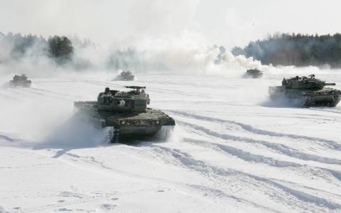坦克在雪壁纸