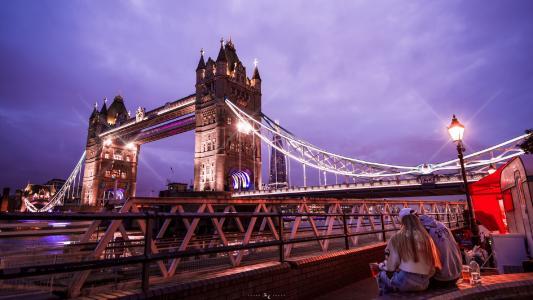 伦敦塔桥夜晚美景