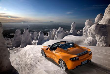 特斯拉跑车橙色壁纸