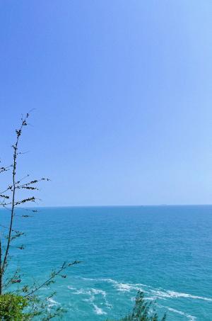 蔚蓝迷人的大海