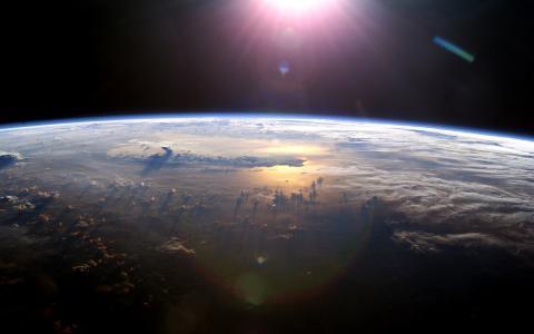 地球在空间壁纸
