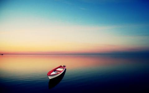 平静的海面壁纸
