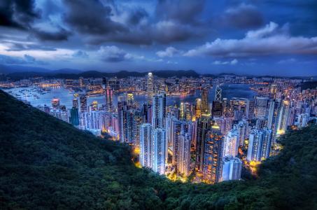在晚上墙纸的香港都市风景