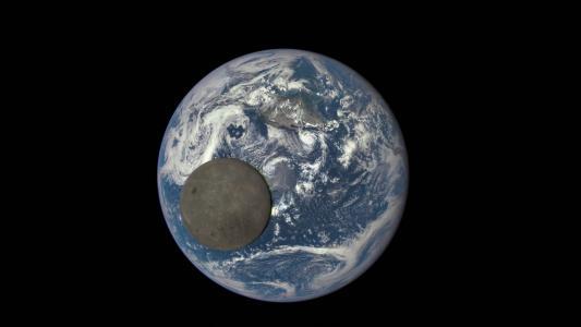 月球在地球高清壁纸