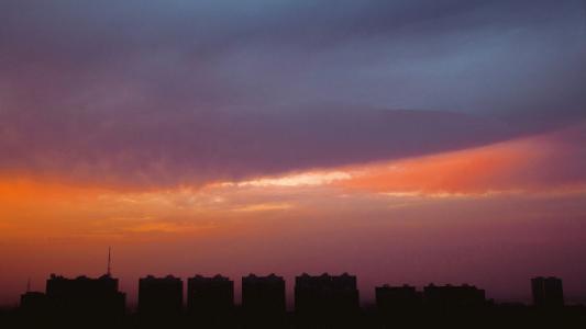 城市浪漫黄昏美景