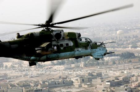 后直升机壁纸