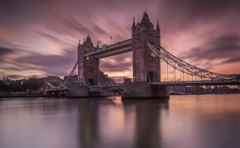气势磅礴的英国伦敦塔桥