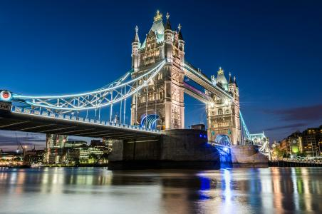 伦敦塔桥唯美夜景