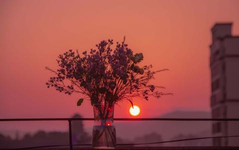 傍晚浪漫夕阳美景