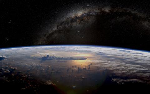 地球和银河壁纸