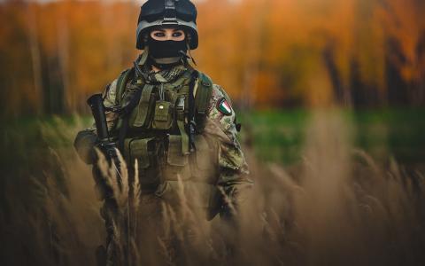 意大利女士兵壁纸