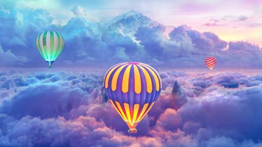 云层上空的热气球
